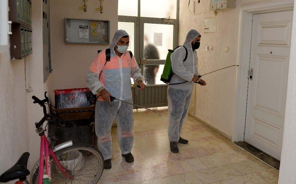 antalyada toplu yasam alanlari dezenfekte ediliyor 4