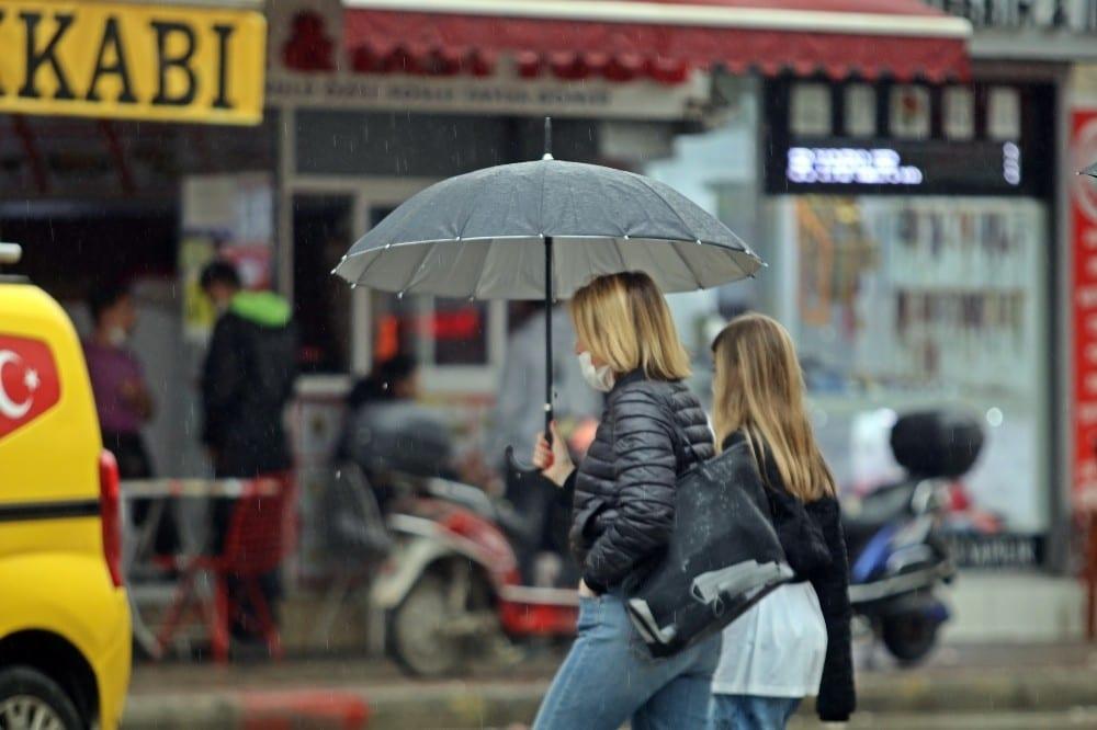 antalyada yagisli hava hayati olumsuz etkiledi 4 IuuZvVmM