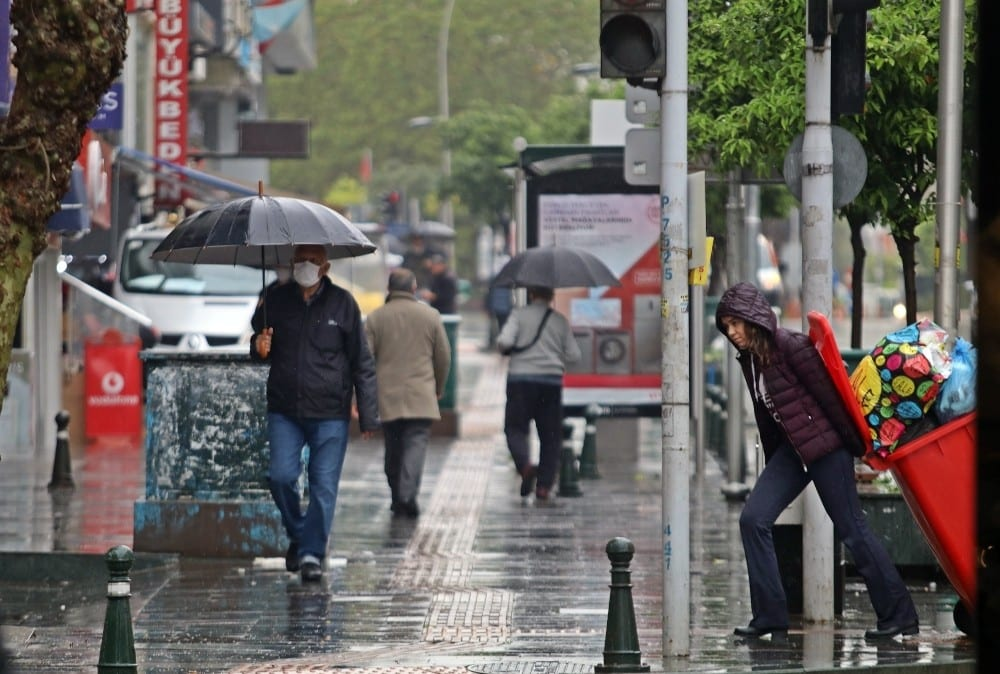 antalyada yagisli hava hayati olumsuz etkiledi 5