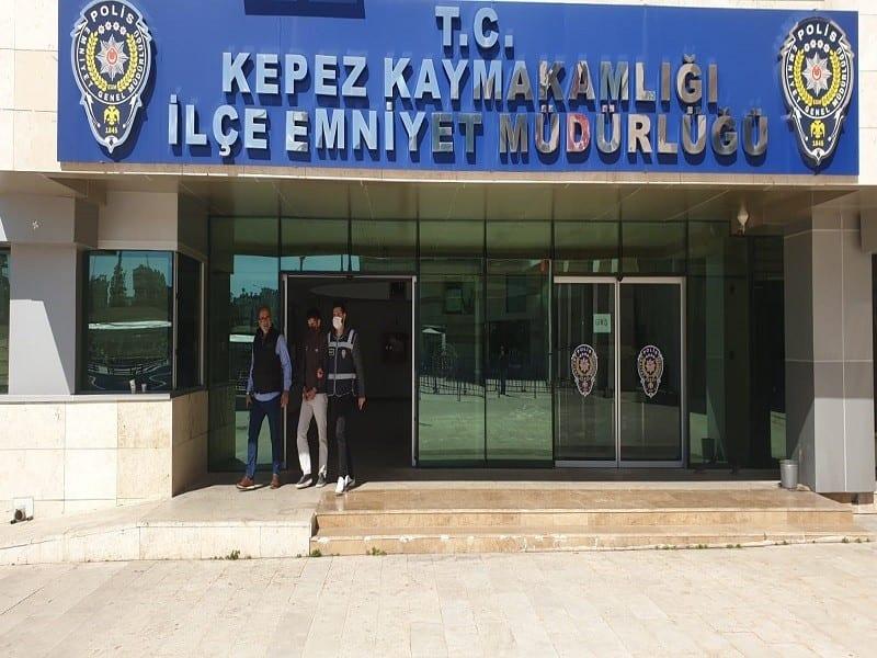 belediyeye ait 39 adet krom kapagi calan supheli tutuklandi 1