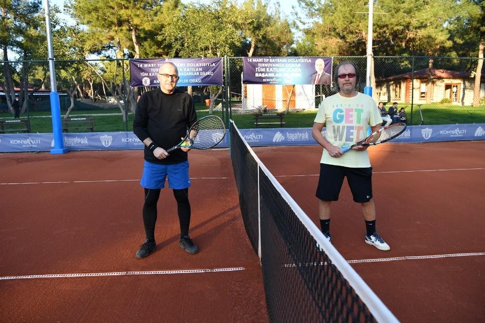 doktorlar tenis turnuvasinda bulustu 0 4UmaB73L