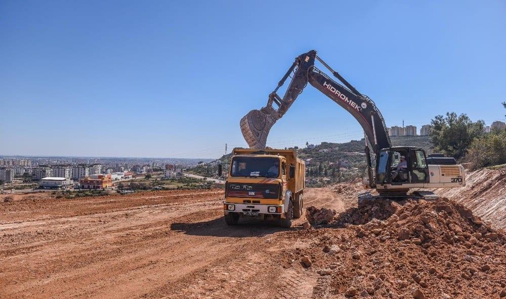 karayolu icin 13 bin kamyon hafriyat 3 bin kamyon karsiligi kaya kaldirildi 3 bjqqab3E