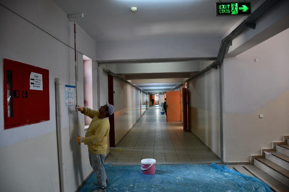 konyaaltinda okullar yenileniyor 1 5BcnrtSX