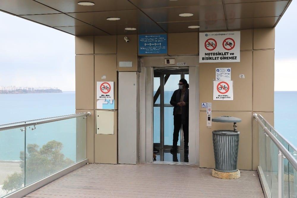 panoramik asansorler bakimlarinin ardindan hizmette 3 tvvVHd1v